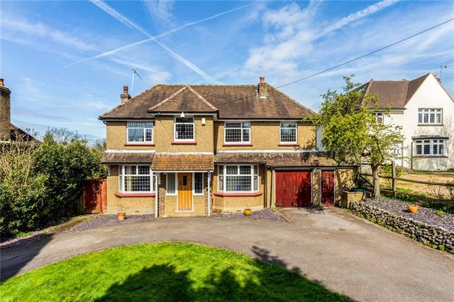 Guide Price £775,000, 4 Bedroom Detached House For Sale in Redhill, Surrey, RH1