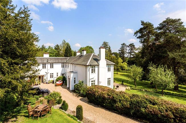 Guide Price £1,250,000, 6 Bedroom Detached House For Sale in Surrey, RH1