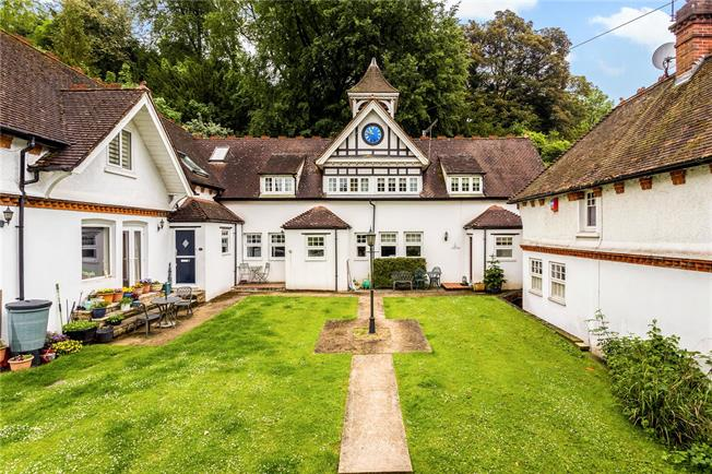 Offers in excess of £450,000, 3 Bedroom Terraced House For Sale in Bletchingley, RH1