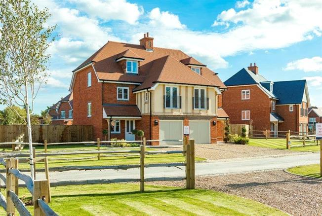 Asking Price £725,000, 3 Bedroom Semi Detached House For Sale in Surrey, RH7