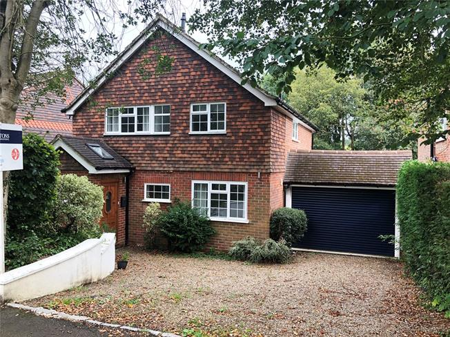 Guide Price £750,000, 4 Bedroom Detached House For Sale in Surrey, RH1