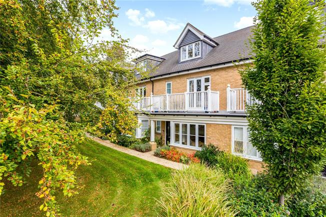 Asking Price £500,000, 3 Bedroom Terraced House For Sale in Caterham, CR3