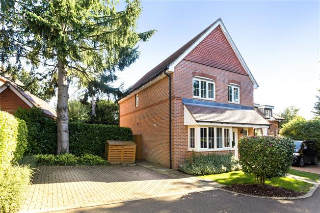 Guide Price £550,000, 4 Bedroom Semi Detached House For Sale in Caterham, CR3