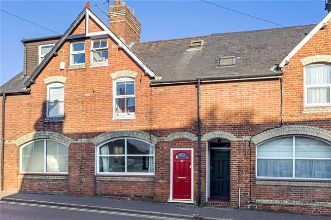 Asking Price £350,000, 3 Bedroom Terraced House For Sale in Godstone, RH9