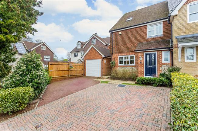 Guide Price £587,500, 4 Bedroom Terraced House For Sale in Surrey, CR3