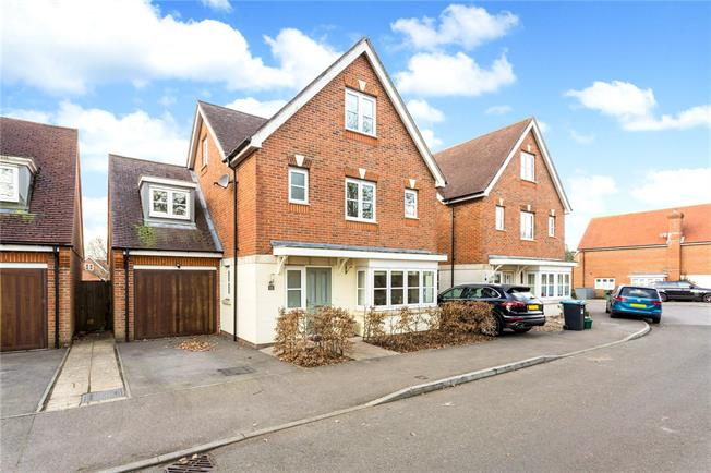 Asking Price £650,000, 5 Bedroom Detached House For Sale in Kenley, CR8