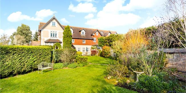 Guide Price £650,000, 4 Bedroom Town House For Sale in South Godstone, RH9
