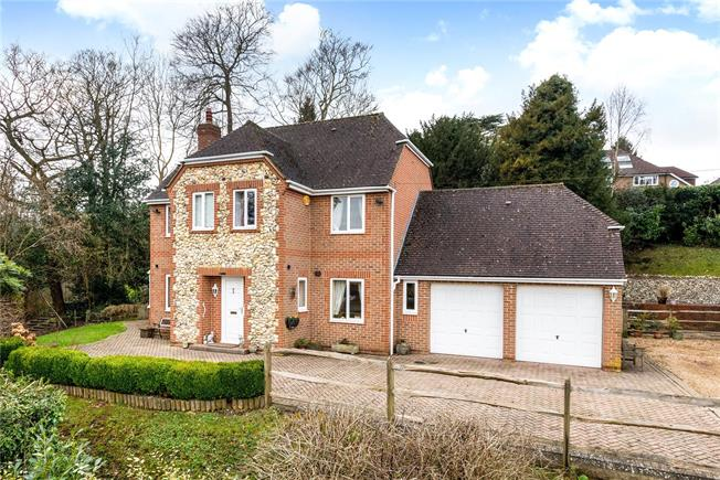 Guide Price £699,950, 4 Bedroom Detached House For Sale in Surrey, CR3