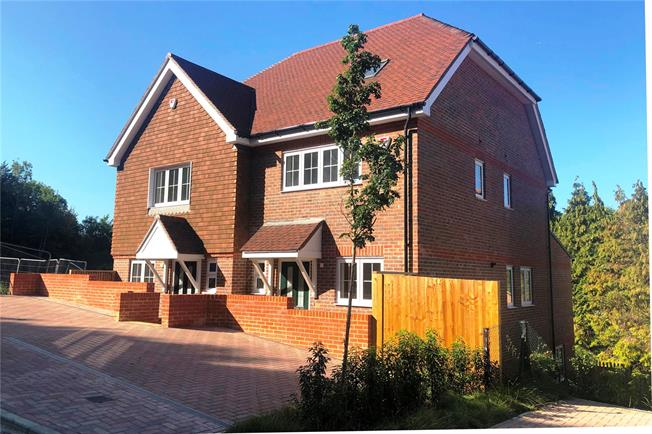 Guide Price £650,000, 3 Bedroom Semi Detached House For Sale in Surrey, CR3