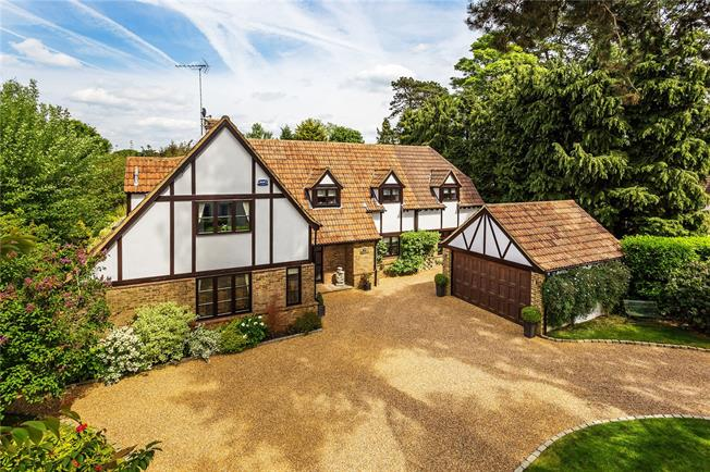 Offers in excess of £1,425,000, 5 Bedroom Detached House For Sale in Warlingham, CR6