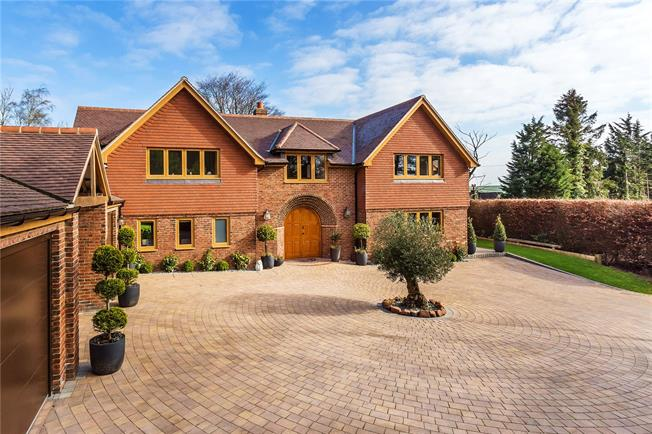 Guide Price £1,725,000, 4 Bedroom Detached House For Sale in Caterham, Surrey, CR3