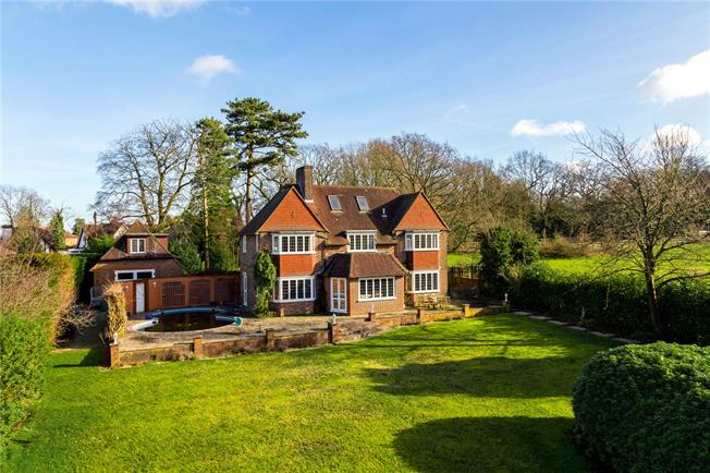 Offers in excess of £1,400,000, 5 Bedroom Detached House For Sale in Surrey, CR3