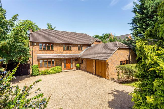 Offers in excess of £1,150,000, 4 Bedroom Detached House For Sale in Surrey, CR6