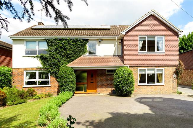Guide Price £895,000, 6 Bedroom Detached House For Sale in Surrey, CR3