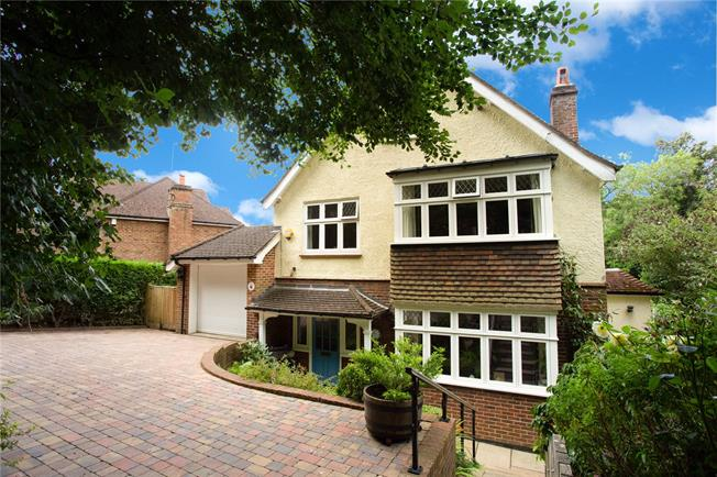 Guide Price £975,000, 5 Bedroom Detached House For Sale in Surrey, CR3