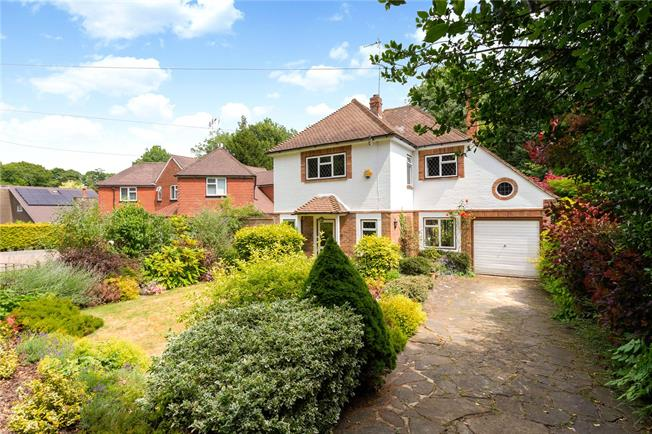 Offers in excess of £650,000, 4 Bedroom Detached House For Sale in Surrey, CR3