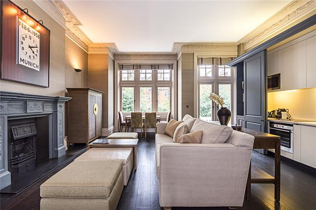 Asking Price £1,300,000, 1 Bedroom Flat For Sale in London, SW7