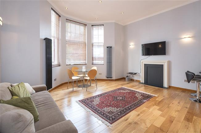 Asking Price £1,250,000, 3 Bedroom Flat For Sale in London, SW5