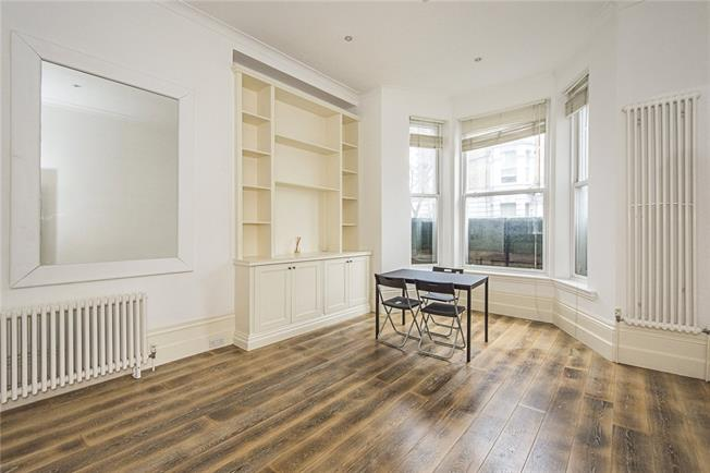Offers in excess of £495,000, 1 Bedroom Flat For Sale in London, SW10