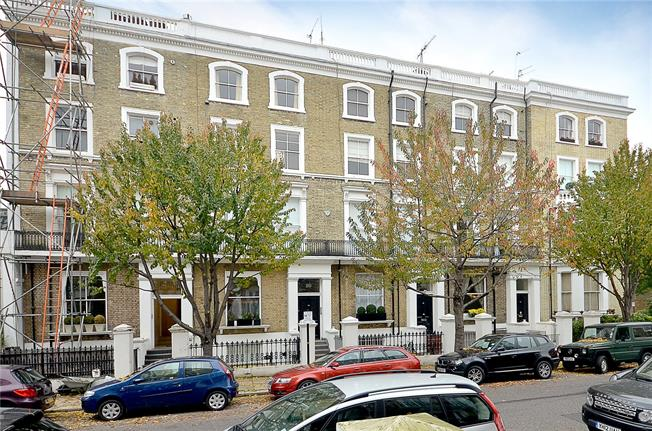 Asking Price £695,000, 1 Bedroom Flat For Sale in London, SW10