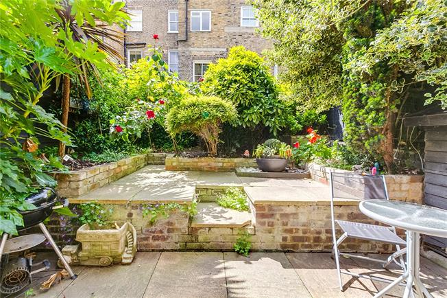 Asking Price £715,000, 1 Bedroom Flat For Sale in London, SW10