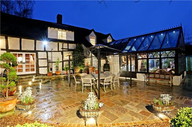 Guide Price £1,275,000, 5 Bedroom Detached House For Sale in Tewkesbury, Gloucestershi, GL20
