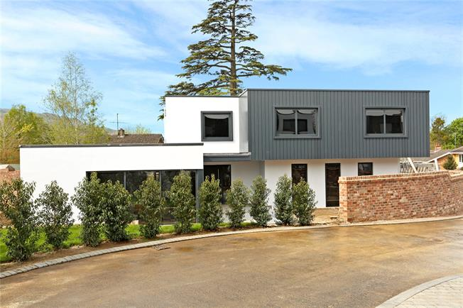 Asking Price £1,295,000, 5 Bedroom Detached House For Sale in Cheltenham, Gloucestershi, GL53