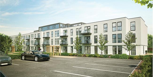 Asking Price £410,000, 2 Bedroom Flat For Sale in Cheltenham, Gloucestershi, GL50