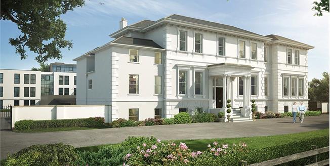 Asking Price £480,000, 2 Bedroom Flat For Sale in Cheltenham, Gloucestershi, GL50
