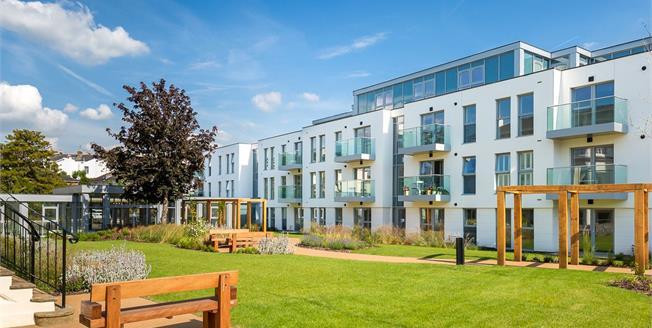 Asking Price £360,000, 2 Bedroom Flat For Sale in Cheltenham, Gloucestershi, GL50