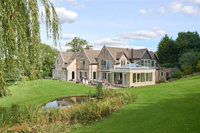 Guide Price £2,375,000, 6 Bedroom Detached House For Sale in Gloucestershire, GL53