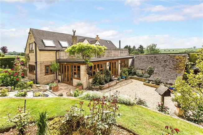 Guide Price £750,000, 6 Bedroom Detached House For Sale in Gloucestershire, GL54