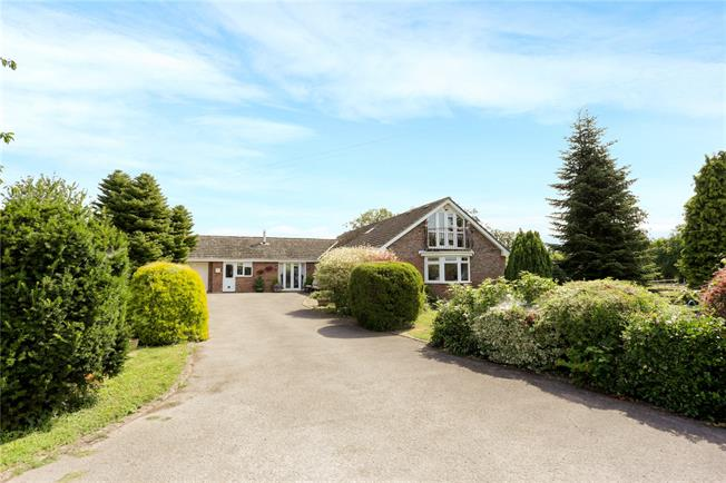 Guide Price £850,000, 5 Bedroom Bungalow For Sale in Ripple, GL20