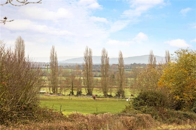 Guide Price £1,200,000, 6 Bedroom Detached House For Sale in Tewkesbury, Gloucestershi, GL20