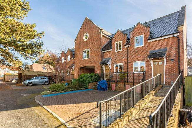 Asking Price £299,950, 2 Bedroom Terraced House For Sale in Gloucestershire, GL53