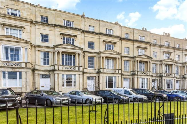 Guide Price £500,000, 3 Bedroom Flat For Sale in Cheltenham, GL50