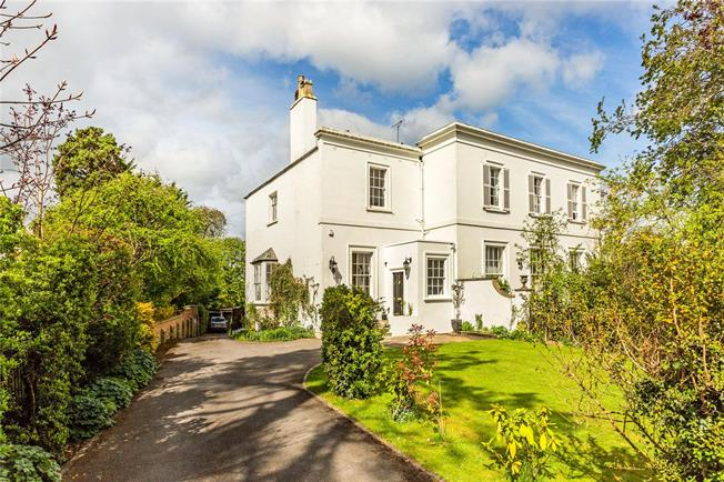 Guide Price £745,000, 3 Bedroom Town House For Sale in Cheltenham, Gloucestershi, GL52