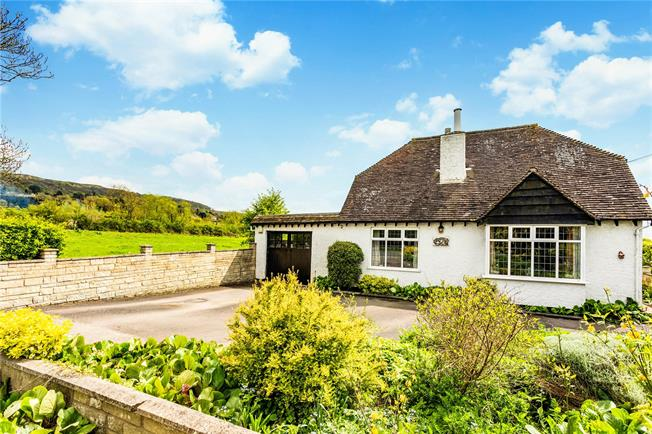Guide Price £595,000, 4 Bedroom Detached House For Sale in Woodmancote, GL52