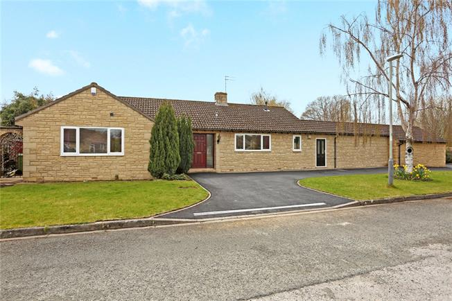 Guide Price £650,000, 3 Bedroom Bungalow For Sale in Cheltenham, GL53