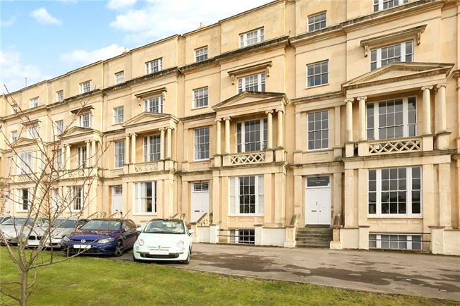 Guide Price £795,000, 3 Bedroom Flat For Sale in Cheltenham, GL50