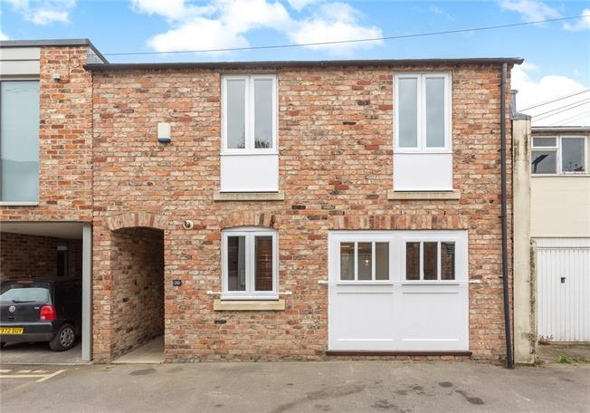 Fixed Price £350,000, 2 Bedroom Mews House For Sale in Cheltenham, GL50