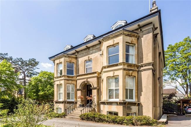Guide Price £600,000, 3 Bedroom Flat For Sale in Cheltenham, Gloucestershi, GL50