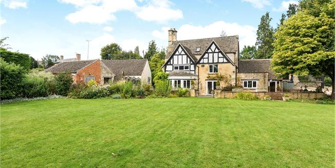 Guide Price £950,000, 4 Bedroom Detached House For Sale in Cheltenham, Gloucestershi, GL54