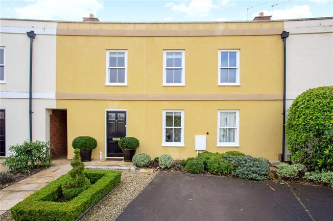 Guide Price £475,000, 3 Bedroom Terraced House For Sale in Gloucestershire, GL53