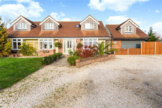 Guide Price £799,995, 8 Bedroom Detached House For Sale in Bosham, PO18