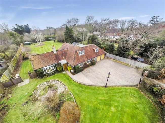 Guide Price £850,000, 4 Bedroom Detached House For Sale in West Sussex, PO19
