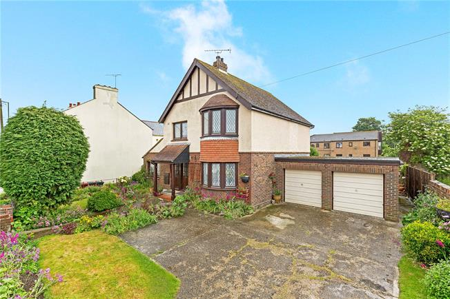 Guide Price £500,000, 4 Bedroom Detached House For Sale in West Sussex, PO19