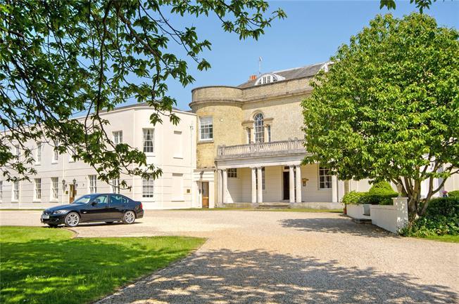 Guide Price £395,000, 2 Bedroom Flat For Sale in Crockerhill, PO18