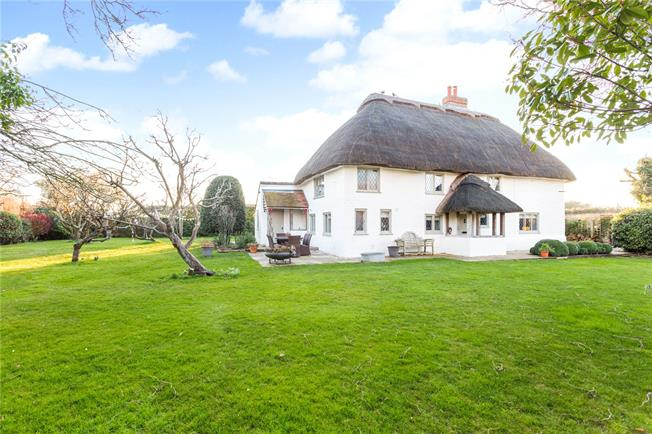 Guide Price £950,000, 4 Bedroom Detached House For Sale in West Wittering, PO20