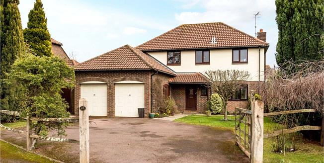 Guide Price £795,000, 4 Bedroom Detached House For Sale in Chichester, PO19